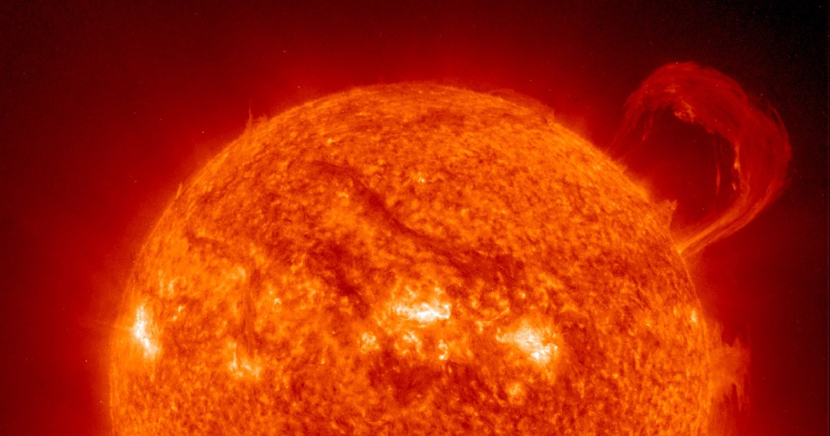 Super Solar Prominence
